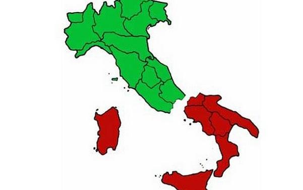 italia divisa in regioni e colorata bianco rosso e verde