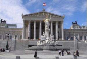 Elezioni Vienna: la paura dei migranti e l�ascesa della FP�