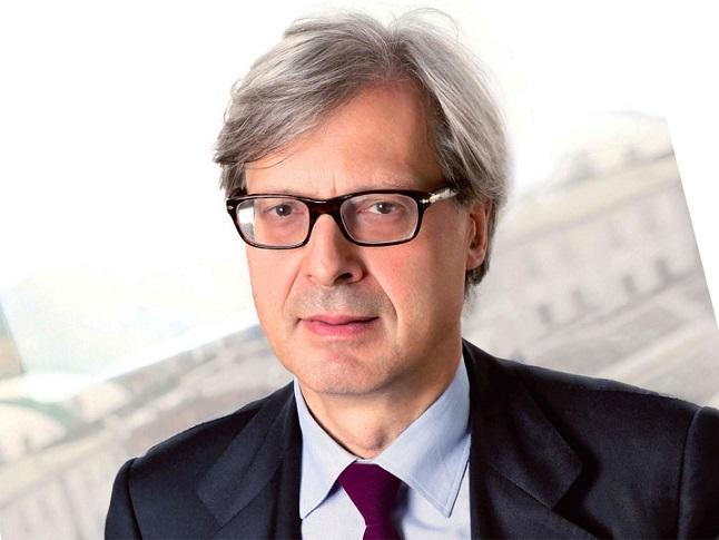 vittorio sgarbi si candida a sindaco di Milano