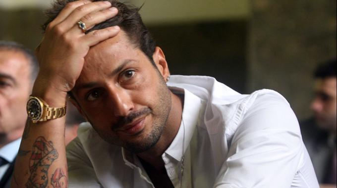 Fabrizio Corona torna in carcere: avrebbe violato le disposizioni del tribunale
