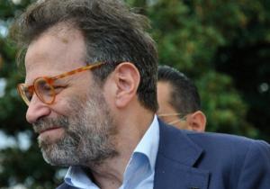 Napoli, Umberto Ranieri difende la candidatura di Bassolino ma si dice pronto a sfidare l�ex sindaco