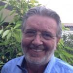Filippo Penati, Sistema Sesto, Pierluigi Bersani, foto dell'ex presidente della provincia di Milano con camicia azzurra barba e sorriso smagliante e sullo sfondo del verde