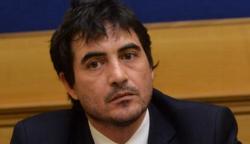 Nicola Fratoianni segretario di Sinistra Italiana, a destra nasce il Movimento Sovranista