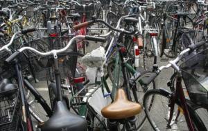 Tasse fantasy: tassa sulla bicicletta, Iva sui servizi funebri e Imu sulle tombe
