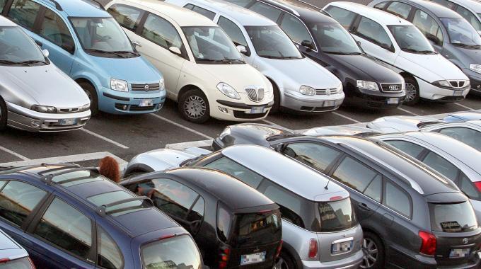 Mercato auto: dicembre in forte crescita in Italia. Bene Fca