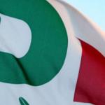 sondaggi politici, Partito Democratico, foto della bandiera col simbolo del Pd