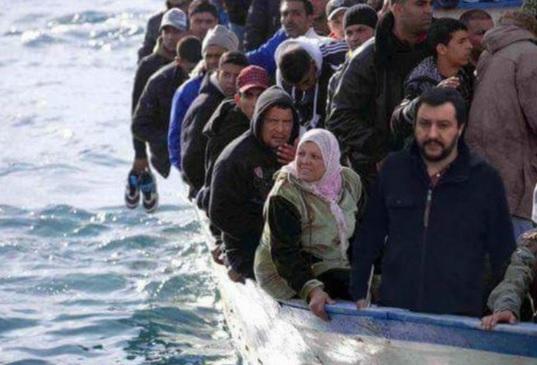 sondaggi politici, sondaggi elettorali, Salvini su un barcone di immigrati