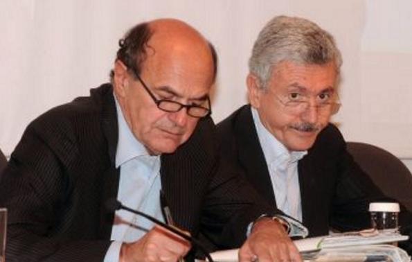 Partito Democratico, Matteo Renzi, Bersani e D'Alema seduti affianco durante un convegno