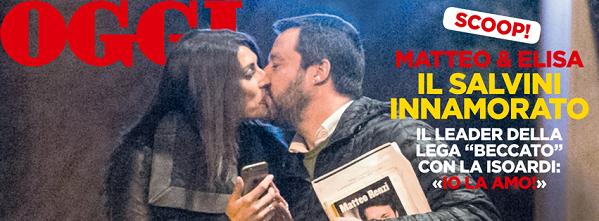 Elisa Isoardi Matteo Salvini, Matteo Renzi, immagine del settimanale OGGI pubblicata su Facebook che ritrae Salvini mentre bacia Isoardi col libro di Renzi in mano