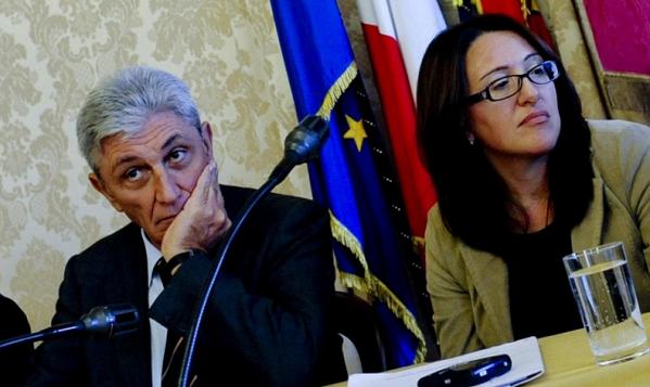 Video Fanpage Primarie Napoli, Valeria Valente e Antonio Bassolino durante un incontro per le primarie di Napoli