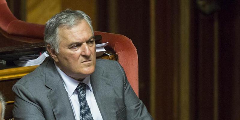dimezzamento stipendio parlamentari - vincenzo d'anna, dimissioni Guidi, ministro dello Sviluppo Economico