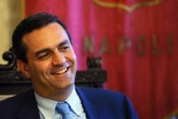 Reddito di cittadinanza, De Magistris: 600 euro ai napoletani