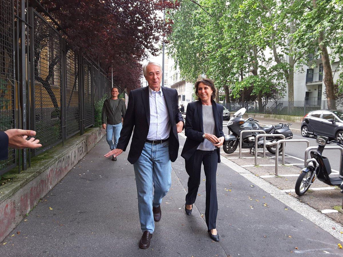 diretta risultati comunali Milano Pisapia al voto con la moglie