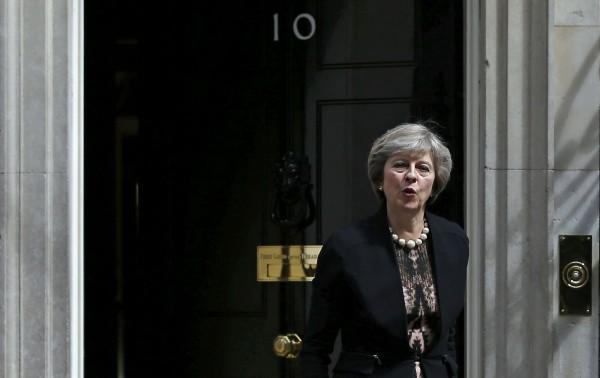 sondaggi elettorali, David Cameron, Downing Street, Gran Bretagna, Regno Unito, Theresa May