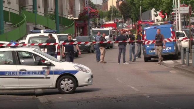 attentato francia, attentato chiesa francia, attentato isis