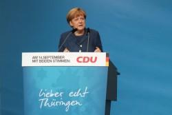 Germania: CDU riconferma Merkel alla guida del partito e svolta a destra