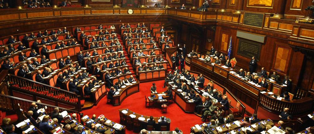I 10 parlamentari con pi presenze in aula nessun cinque for Oggi in parlamento