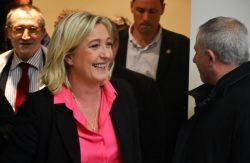 Sondaggi elettorali Francia, l'analisi: cresce Marine Le Pen, risale Fillon