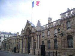 Francia, attentati sventati: polizia arresta militanti di estrema destra