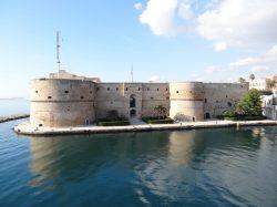 Sondaggi elettorali Taranto: sfida aperta, in 4 in corsa per il ballottaggio