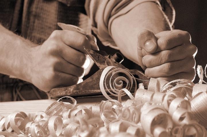 Lavoro di falegnameria con legno
