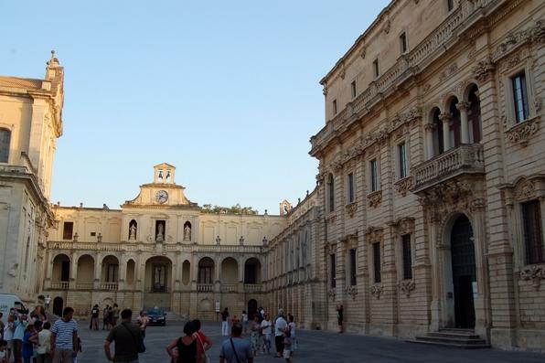 Elezioni comunali Lecce 2017, candidati, sondaggi e risultati - piazza del duomo