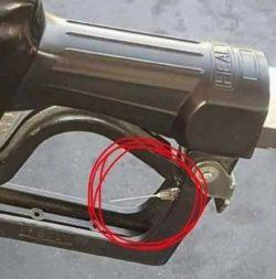 Fake news: la bufala della siringa infetta nella pompa di benzina