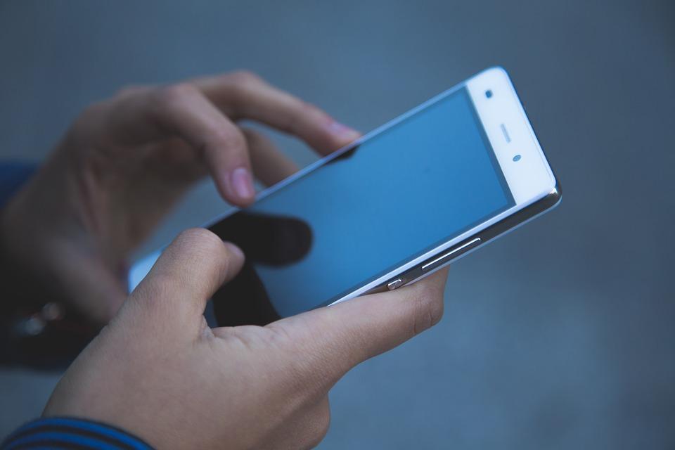 migliori smartphone, Come dovrebbe essere il miglior smartphone in futuro? Ce lo dice un sondaggio