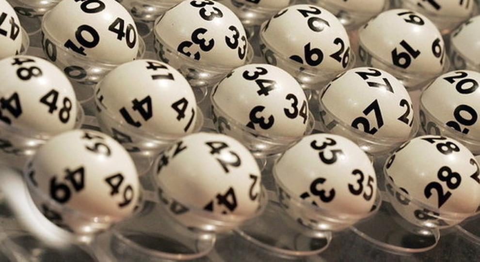 Estrazioni del Lotto di oggi, sabato 22 luglio 2017 e Superenalotto: combinazione e jackpot. Live