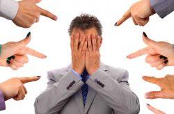 Mobbing al lavoro: cosa vuol dire e differenza verticale-orizzontale