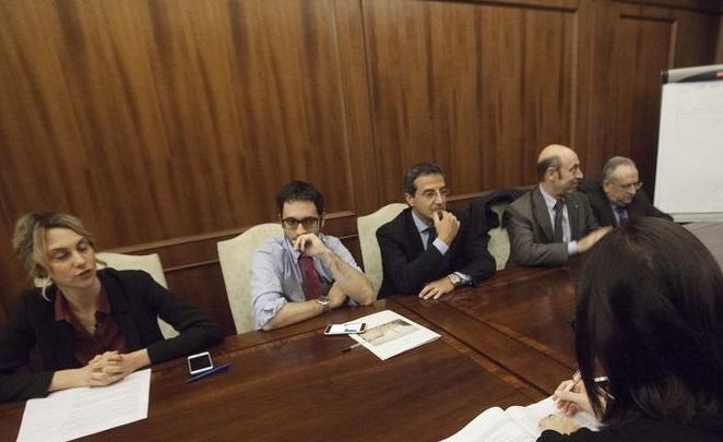 Rinnovo contratto statali: continuano le polemiche sugli aumenti stipendi