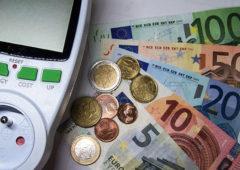 Bollette a 28 giorni: dl Fisco approvato, torna la fatturazione mensile