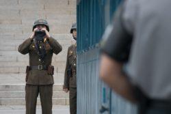Corea del Nord, ultime notizie: soldato ferito supera il confine – video
