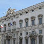 Rinnovo contratto statali: aumento stipendio legittimo per la Corte Costituzionale