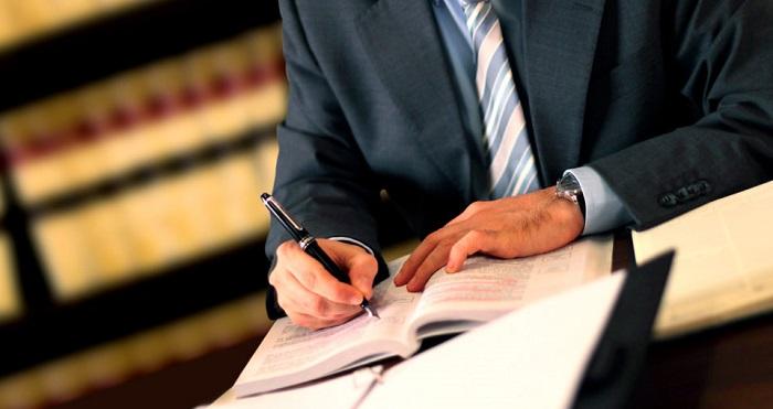 quanto guadagna un avvocato e come diventarlo