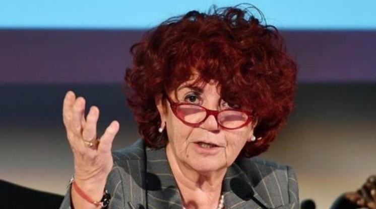 Rinnovo contratto scuola e aumento stipendio: le rassicurazioni del ministro Fedeli