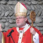 Cardinale Reinhard Marx con le insegne episcopali