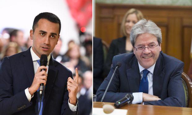 Elezioni, Renzi contro l'M5S: