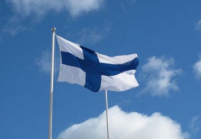 Reddito di cittadinanza all'estero le differenze con la proposta M5S