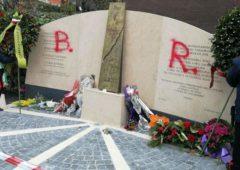 Cronaca ultime notizie: Aldo Moro, scritta BR sulla lapide a Via Fani
