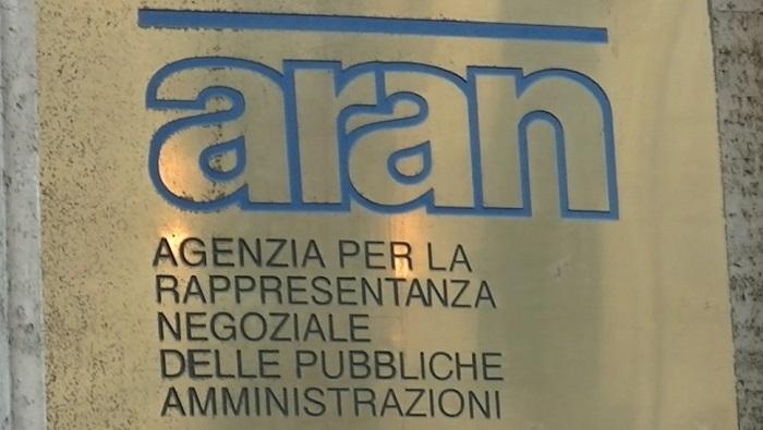 Rinnovo contratto sanità: aumento stipendio, incontro all'Aran