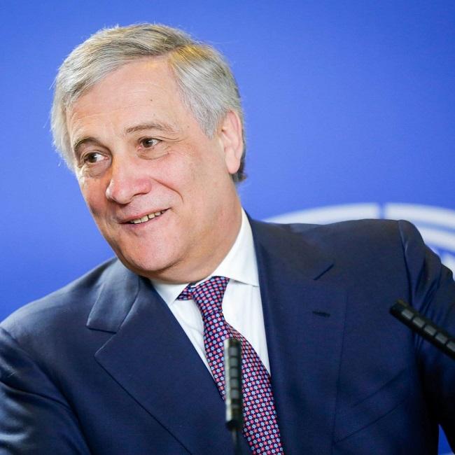 Reddito di cittadinanza Tajani contro il M5S 'non risolve i problemi'