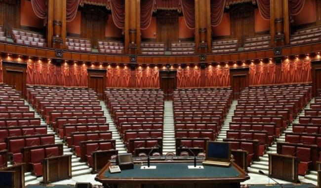sondaggi politici, Governo, boom di richieste di mutui casa alla banca del Parlamento, Alberto Bonisoli
