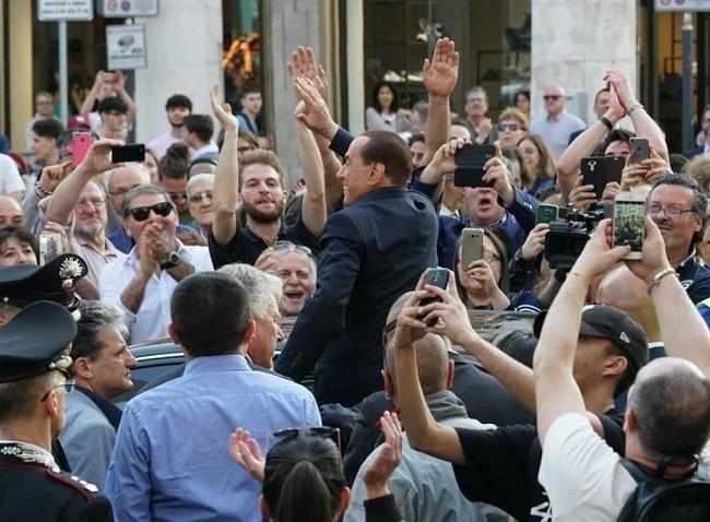 Governo ultime notizie Berlusconi chiede a Mattarella di fare il premier ok