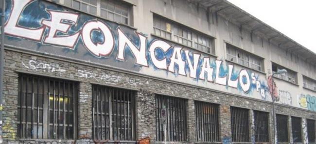 Milano, Leoncavallo al centro di una trattativa segreta
