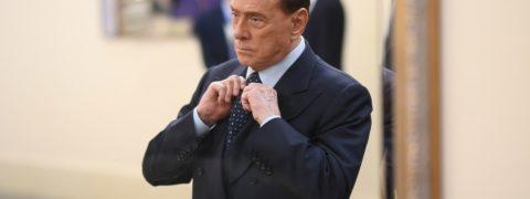 Berlusconi riabilitato sondaggi elettorali Governo ultime notizie: telefonata Renzi-Salvini