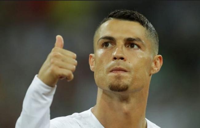 Cristiano Ronaldo Juventus è ufficiale presentazione e stipendio alla Juve, Cristiano Ronaldo