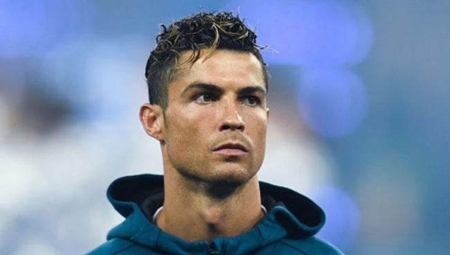 Stretta finale per Ronaldo, Juve in missione a Madrid per le firme