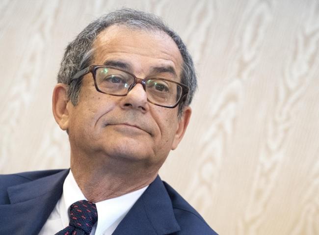 Governo ultime notizie Di Maio chiede dimissioni Tria Palermo alla CDP