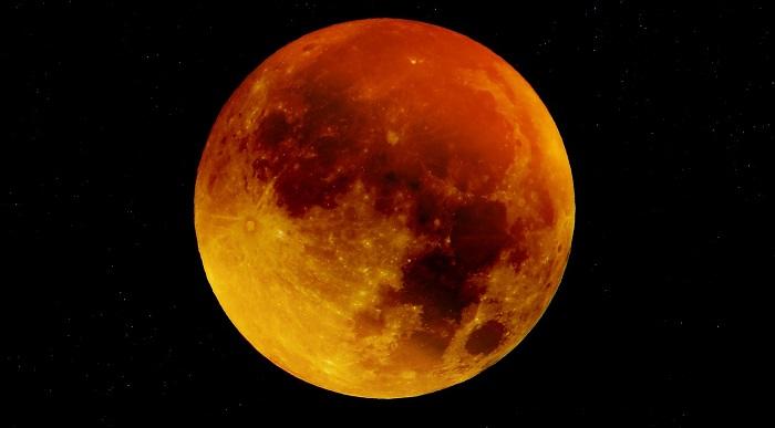 Arriva l'eclissi di luna più lunga del secolo, dove vederla a Rimini